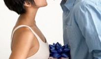 Bedroom_Couple_Kiss_Bed_Lifestyle_PJ_Love_Gift_Celebrate_Anniversary_Valentine