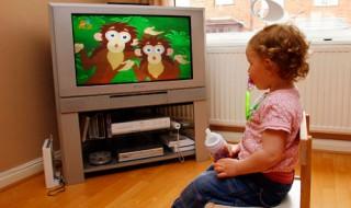 Child-watching-TV-006
