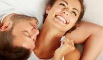 பெண்களுக்கு, முதல் முறை உடலுறவில் ஈடுபடும்போது சிறிது வலி